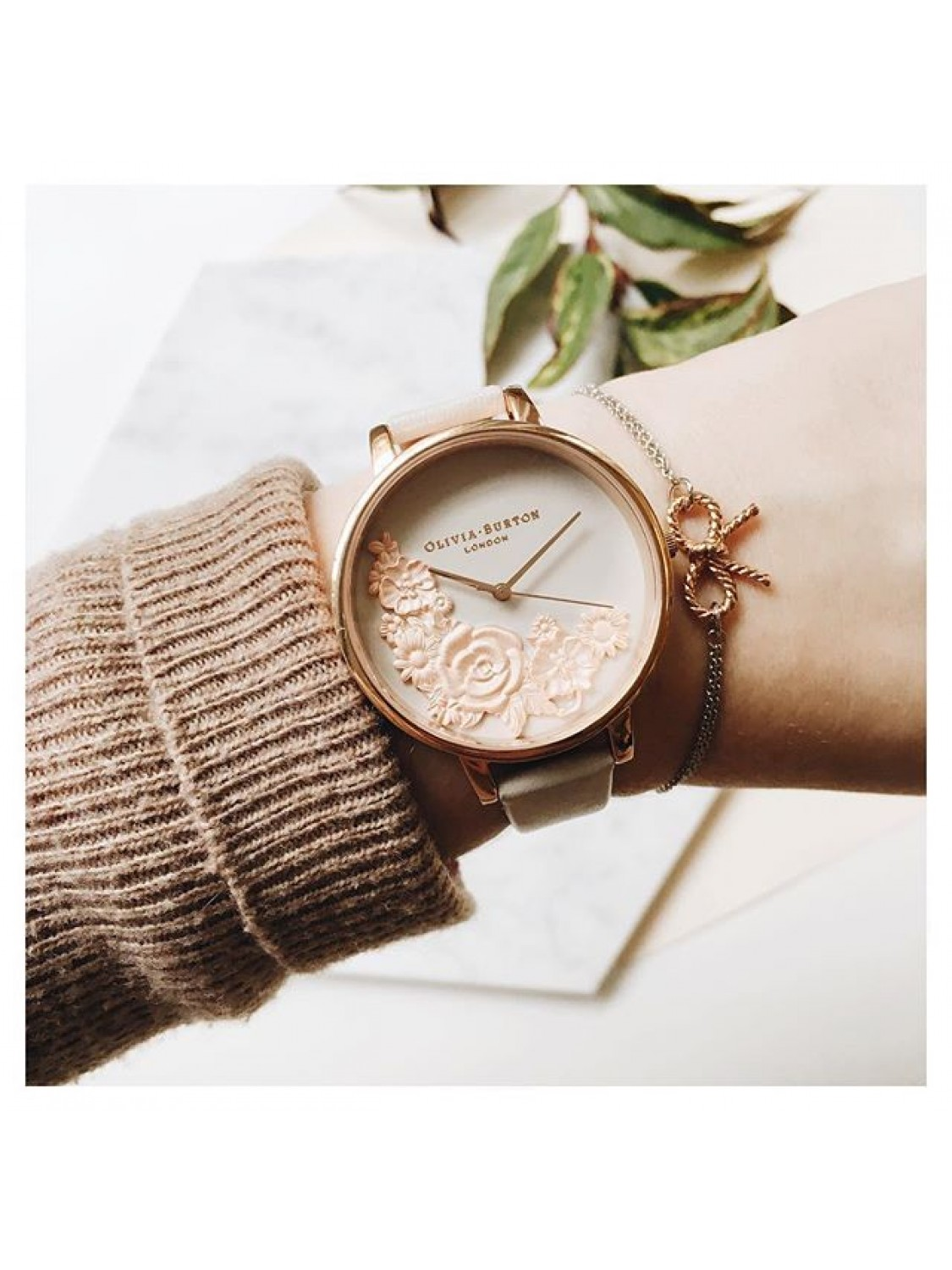 Olivia Burton Moulded Floral Bouquet Blush And Rose Gold-05