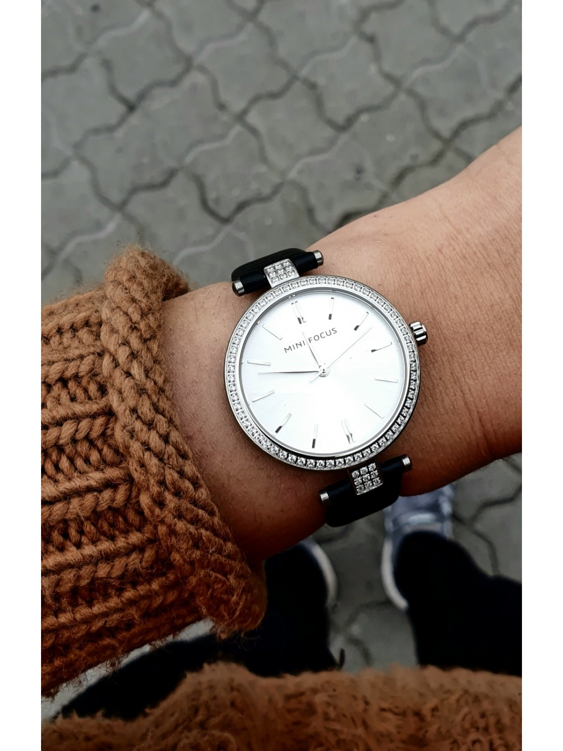 Megir Mini Focus Silver Leather-04