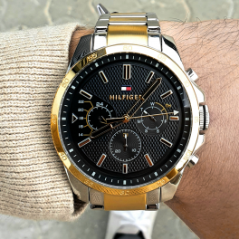 Guld og sort chronograf ur fra Tommy Hilfiger-20